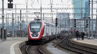 Beschaffung voller Widrigkeiten: Der neue Doppelstockzug FV-Dosto von Bombardier bereitet nicht nur den SBB Sorgen.