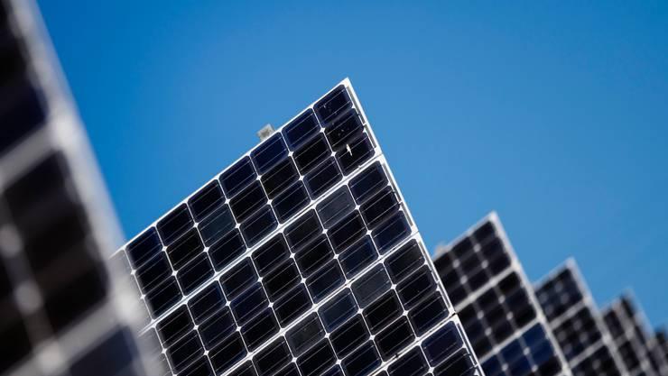 Der wachsende Einsatz erneuerbarer Energien soll bis zum Jahr 2050 zum Ziel «Netto-Null-Emissionen» führen.