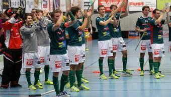 Wiler-Ersigen bejubelt mit den Fans den Halbfinaleinzug im Schweizer Cup