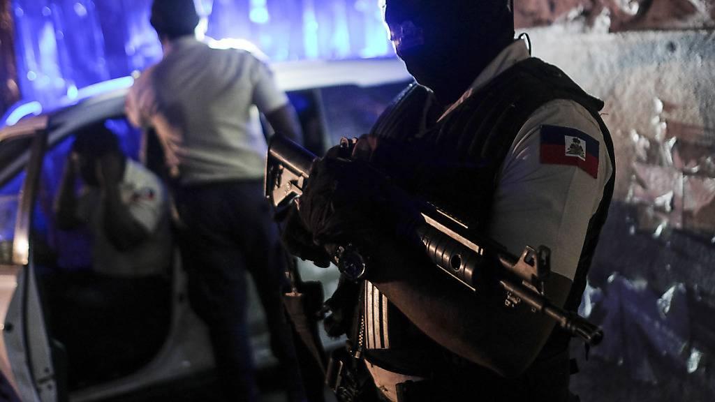 Weitere Festnahmen in Haiti – erste Impfstofflieferung angekommen