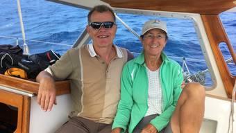 Sind nach den Schweiz-Ferien zurück in wärmeren Gefilden auf der Segeljacht «Lupina»: Köbi Brem, 58, und Pia Koch, 61.