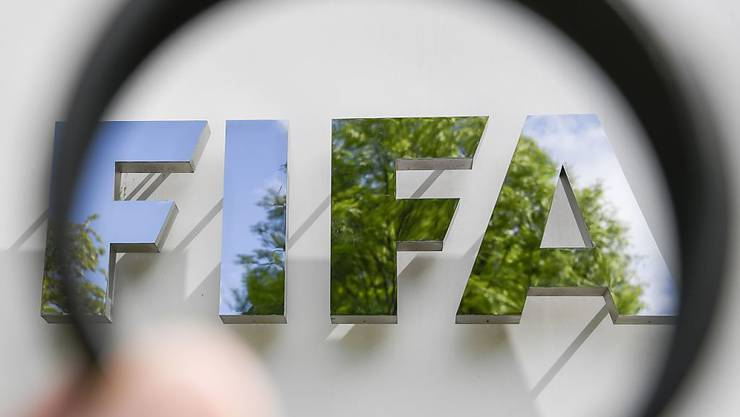 Im Zusammenhang mit der Vergabe von Medienrechten an verschiedenen Fussball-Weltmeisterschaften und FIFA-Confederations Cups hat die Bundesanwaltschaft (BA) Anklagen erhoben.