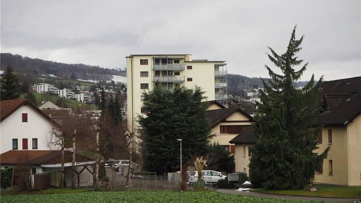Auf diesem Gebäude in Niederrohrdorf soll die neue Anlage gebaut werden.ces
