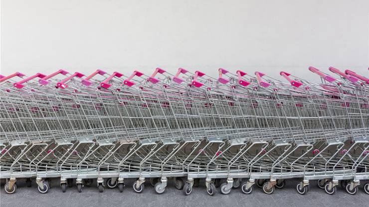 Früher standen wir für den Einkaufwagen Schlange. Heute stehen sie auf dem Abstellgleis. Getty Images/iStockphoto