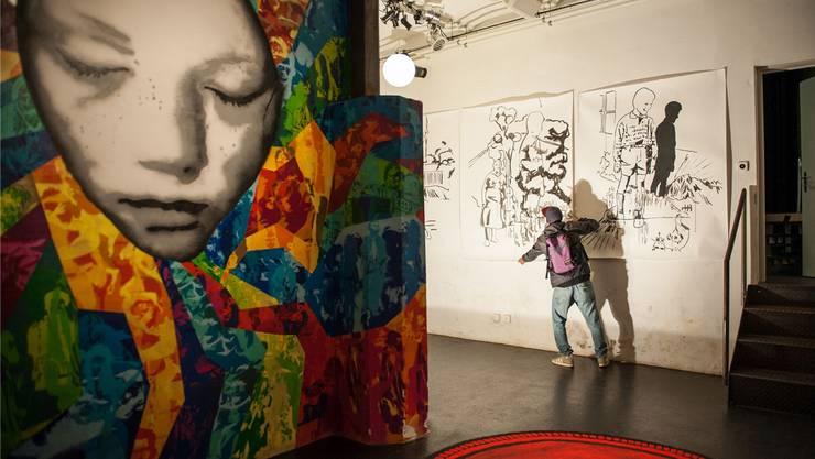 Graffiti, Tuschezeichnung, Teppich – an der Ausstellung «Guck mal Günther, Kunst» treffen verschiedenste Kunstwerke und Stile aufeinander.