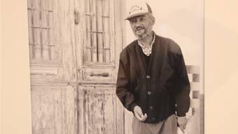 René Mollet aus Suhr sucht auf der Strasse nach Geschichten, die das Leben erzählt und findet Menschen wie ihn (rechtes Bild).