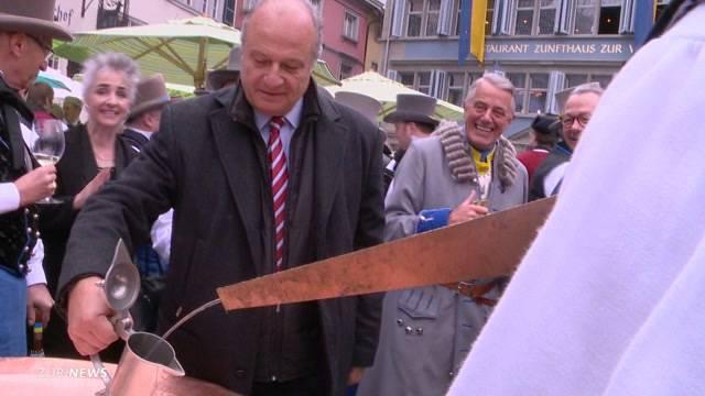 Münsterhof-Brunnen wird zu Weinschenke