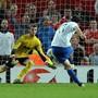 Hier trifft Alex Frei per Penalty zum 3:2 gegen Manchester United.