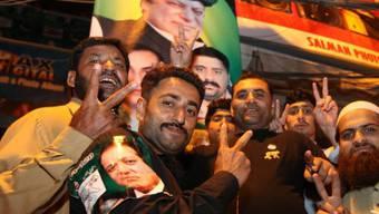 Anhänger der Mitte-rechts-Partei Pakistanische Muslimliga (PML-N)