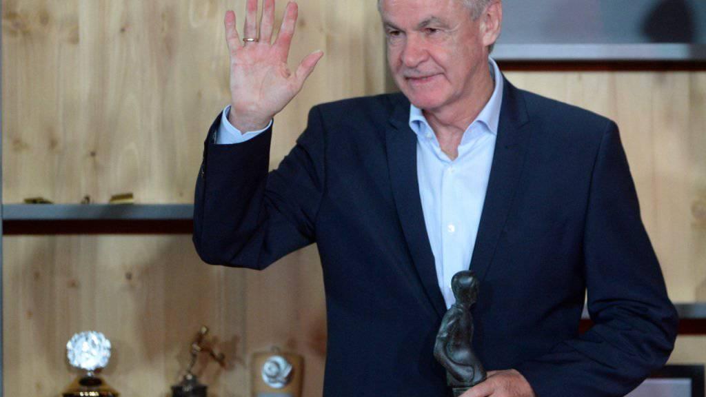 Ottmar Hitzfeld ist immer noch mit dem Fussball verbunden, geniesst aber heute als ehemaliger Erfolgstrainer den Ruhestand
