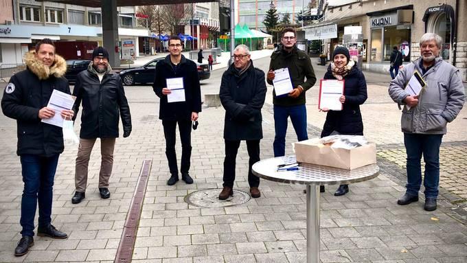Die SVP Kanton Solothurn zusammen mit der SVP Grenchen sammelten fleissig Unterschriften.