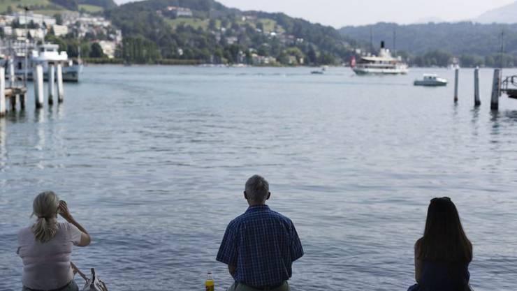 In einem Hafen am Vierwaldstättersee geriet ein Schwimmer in die Schiffsschraube eines Bootes. (Symbolbild)