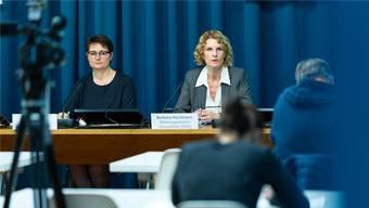 Regierungsrätin Franziska Roth (links) und Barbara Hürlimann, Leiterin der Abteilung Gesundheit, stellten am 25. Oktober das neue Spitalgesetz vor. Das damals laufende Gerichtsverfahren war an der Medienkonferenz kein Thema.