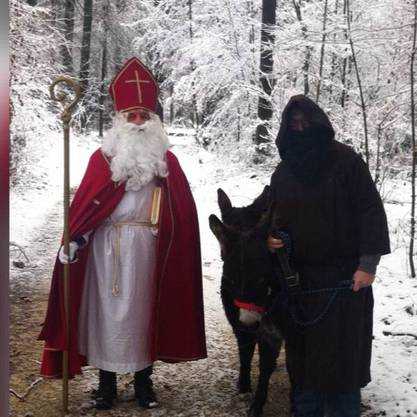 Ein Bild, dass sich die Chlausenzunft auch dieses Jahr anlässlich des Chlauseneinzuges am 1. Dezember 2019 ab 17.00 h beim Waldhaus erhofft.