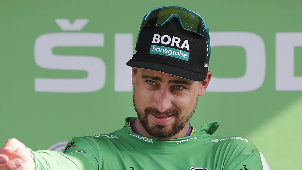 Peter Sagan krempelt den Ärmel für den Giro zurück.