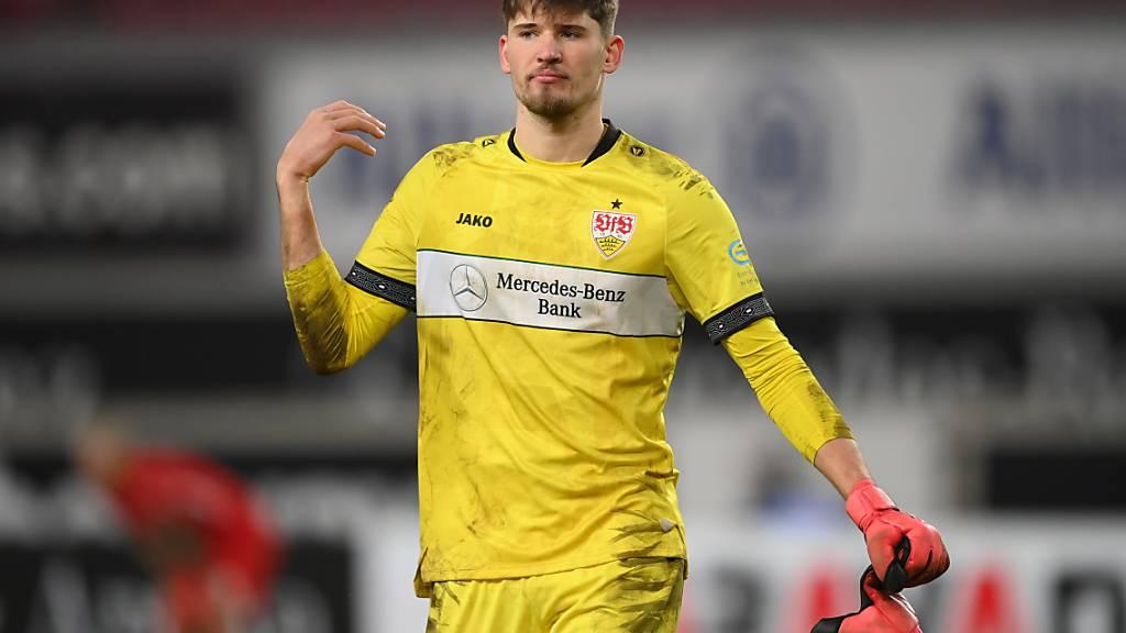 Gregor Kobel gewann mit dem VfB Stuttgart das Bundesliga-Duell gegen seinen Nationalteam-Kollegen Ruben Vargas und Augsburg