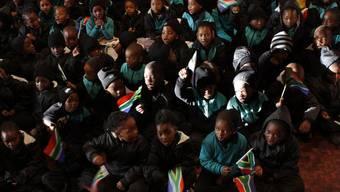Geburtstagsständchen: Schulkinder in Südafrika singen für Nelson Mandela