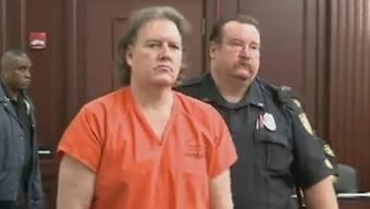 Michael Nunn, als er in den Gerichtssaal geführt wird.