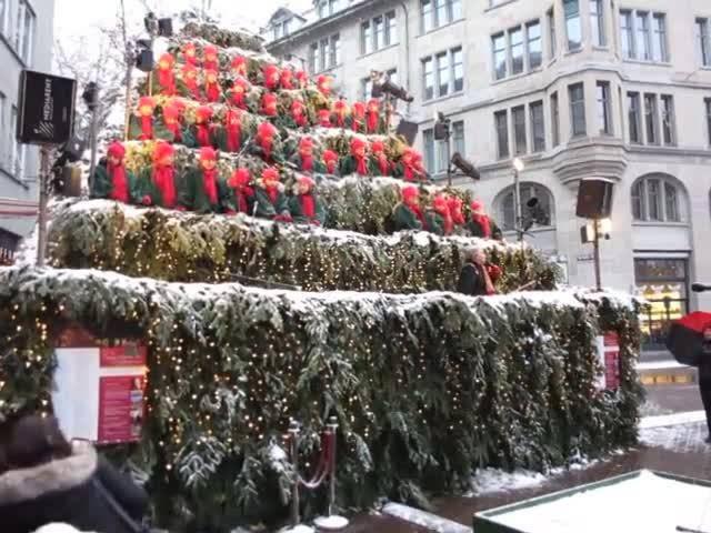 Singing Christmas Tree mit Pepe Lienhard Zürich 2017 (3)