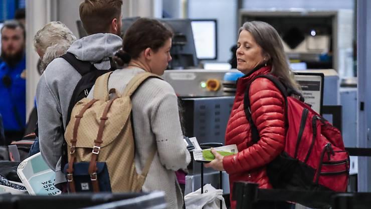 Bei den Sicherheitskontrollen an den US-Flughäfen ist im vergangenen Jahr eine Rekordzahl an Schusswaffen beschlagnahmt worden. (Symbolbild)