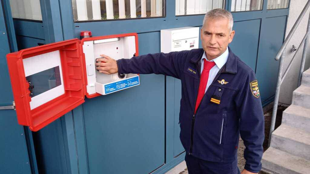 Ausserrhoden führt Feuerwehr-Direkt-Alarm über Notrufbox ein