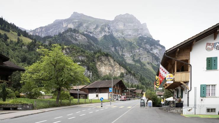 Die Bewohner von Mitholz müssen während den Räumungsarbeiten ihr Dorf verlassen.
