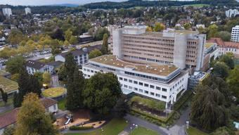 Rund um die Uhr muss das Kantonsspital Aarau in der Lage sein, Patienten mit komplexen Verletzungen zu behandeln. Für diese Vorhalteleistungen beantragte das Spital mehr Geld.