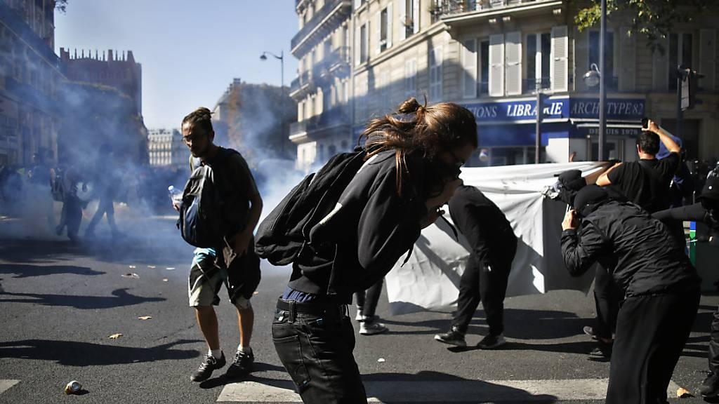 Ausschreitungen und Festnahmen an Demonstrationen in Paris