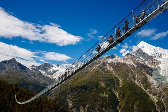 Charles Kuonen Hängebrücke in Randa – Länge: 494 Meter Höhe: 110 Meter Eröffnung: 2017