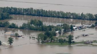 In Poplar Bluff stehen ganze Landstriche unter Wasser