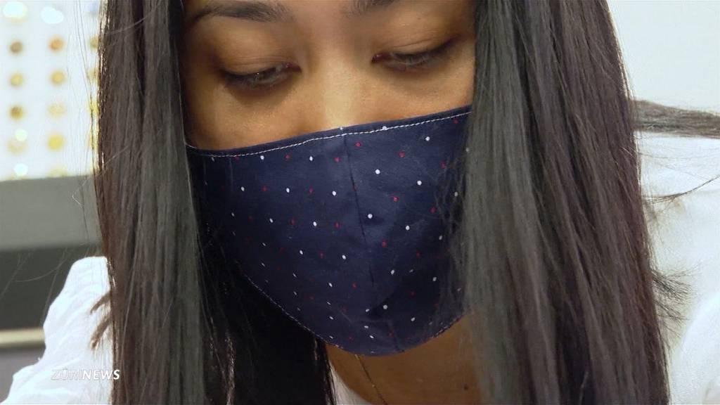 Zürcher Schneiderin verkauft Designer-Schutzmasken