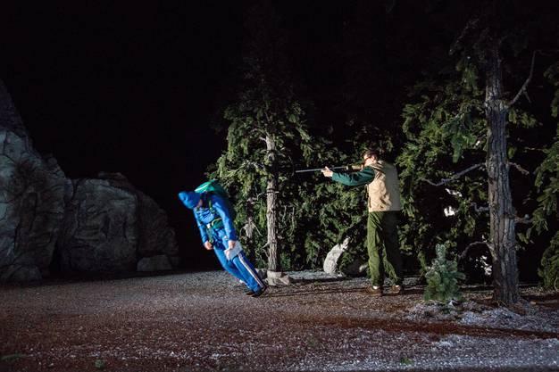 Ein starker Auftakt: Peeping Tom bringen ihre surreale Bilderwelt in die Kaserne Basel.