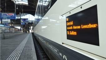 Der Interregio im Basler Bahnhof SBB, der Bahnkunden ab sofort direkt in die Olma-Stadt fährt.