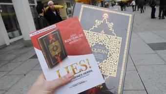 Die «Lies»-Koranverteilaktion sollen nicht national verboten werden. Die Kantone sollen sie stattdessen nicht bewilligen.