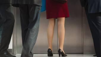 Noch immer in der Minderheit aber am aufholen: Frauen im Kader der Bundesverwaltung (Symbolbild)