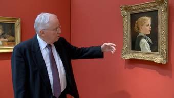 Aus dem Wohnzimmer ins Museum: Blocher wandert durch die Ausstellung, die am 11. Oktober eröffnet.