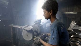 Dietrich Pestalozzi: «Verantwortungsbewusste Unternehmen sollten sich gegen schwarze Schafe wehren, die im Ausland zum Beispiel Kinderarbeit in Kauf nehmen und den kurzfristigen Profit höher gewichten als den Schutz von Mensch und Umwelt.» (Symbolbild)