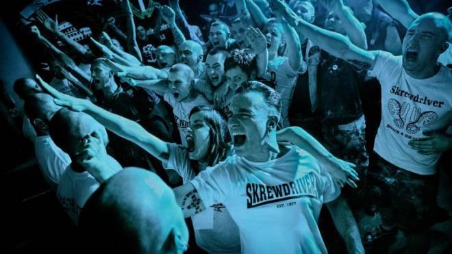 Wo Gleichgesinnte ihre Emotionen und Aggressionen ausleben: Besucher eines Neonazi-Konzerts in Rom im Mai 2013. Foto: Getty Images
