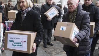 """Konsumentenschützer und Wirtschaftsorganisationen kämpfen mit der Fair-Preis-Initiative gegen den """"Schweiz-Zuschlag"""". Der Bundesrat hält das Anliegen für berechtigt, schlägt aber eine Alternative vor. (Archivbild)"""