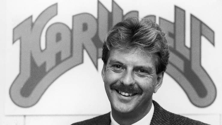 Das war zu Beginn, Aeschbacher moderierte die Sendung «Karussell». Mit dem damals fast unvermeidlichen Schnauz der 80er-Jahre.