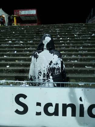 Die FC Basel Fans schmuggelten eigens weisse Farbe für Attacken ins Stadion.