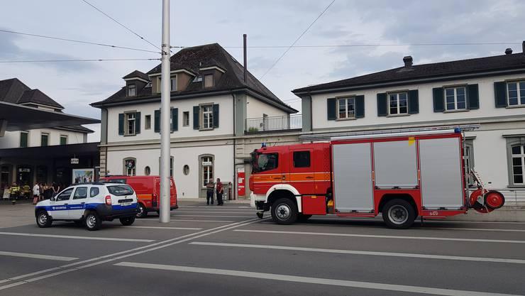 Die Feuerwehrautos am Hauptbahnhof.