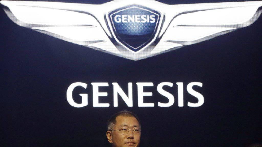 Vize-Chef Chung Euisun von Hyundai an einer Pressekonferenz in Seoul zur Lancierung der neuen Luxusmarke Genesis