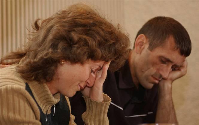 Vor elf Jahren waren Buge und Hamdi Halili verzweifelt, als die Rückschiebung in den Kosovo drohte. Nun sind sie in eine neue Krise gestürzt worden.