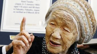 Kane Tanaka ist nun auch offiziell der älteste Mensch der Welt. Eine entsprechende Urkunde des  Guinness-Buchs der Rekorde wurde ihr am Samstag überreicht.