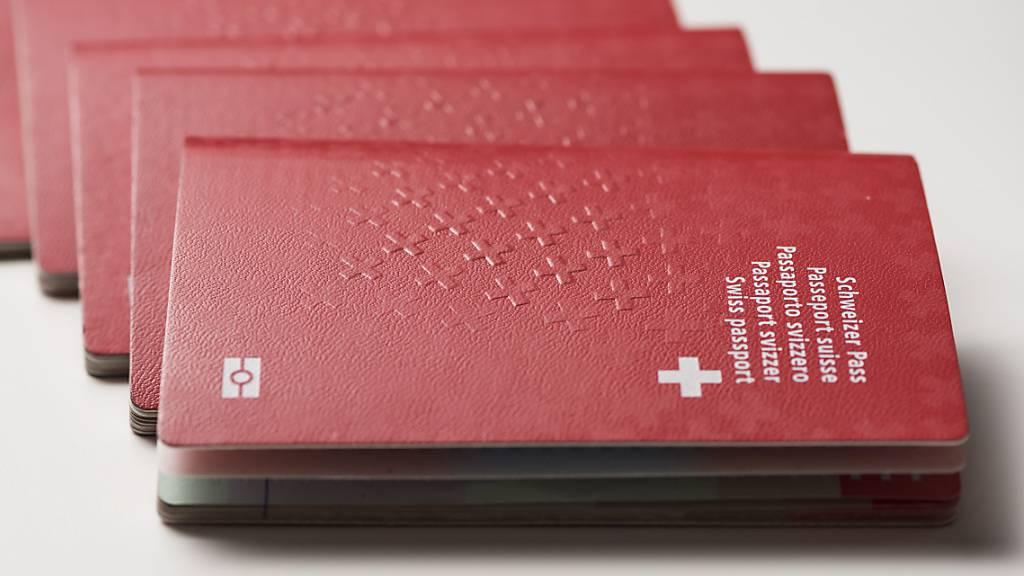 Einbürgerungsfrist im Kanton Schwyz bleibt bei fünf Jahren