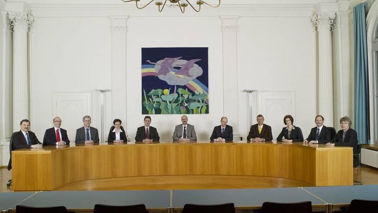 Das Solothurner Obergericht (neuste verfügbare Gruppenaufnahme, 2010) mit Präsidentin Franziska Weber (3. vr.) und Gerichtsverwalter Roman Staub (links); anstelle des zurückgetretenen Peter Pfister (5. vr.) wurde 2012 Karin Scherrer gewählt.