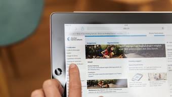 Die Banken investieren stark, um ihre Services online anbieten zu können: am PC oder auf dem Handy.