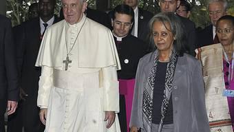 Wird erste Präsidentin Äthiopiens: Die Diplomatin Sahle-Work Zewde, hier mit Papst Franziskus I.