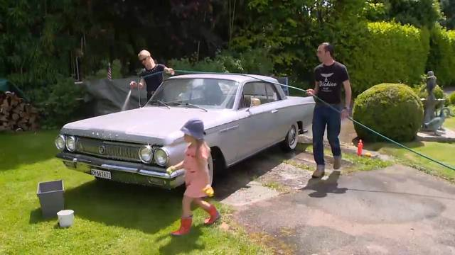 Diese Familie ist komplett autoverrückt